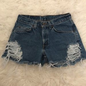 Levi's high waisted denim shorts!!